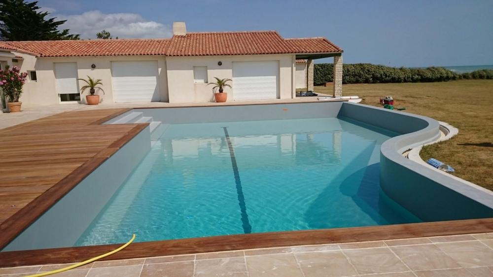 Transformer une piscine en r sine r novation en liner for Reparer un liner de piscine
